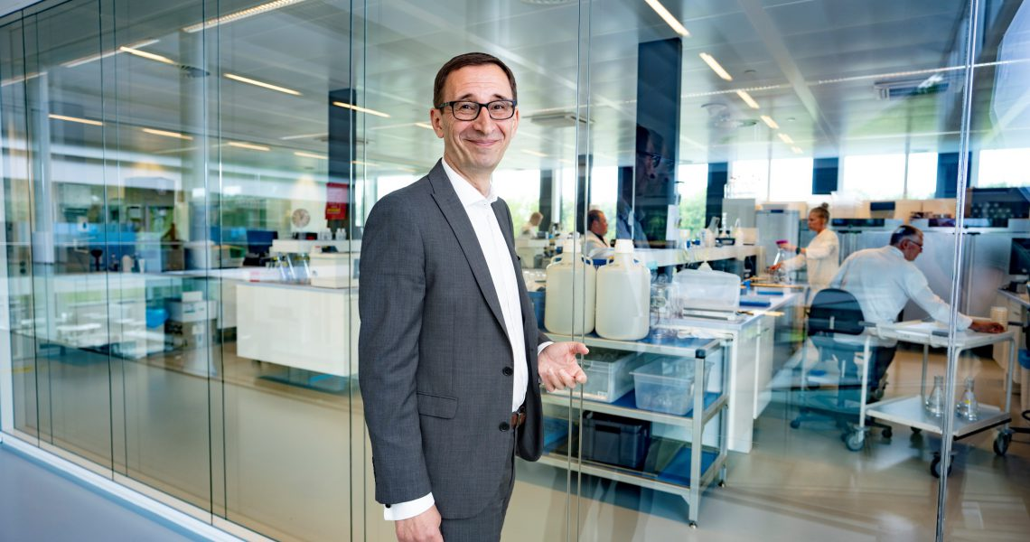 CEO of KWR Water Research Institute, Dragan Savec in front of the lab